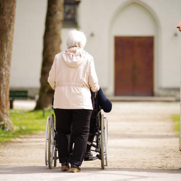Pflegeheim Kosten - Was kostet der Platz in einem Pflegeheim