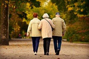 Trinknahrung für Senioren und hochkalorische Trinknahrung